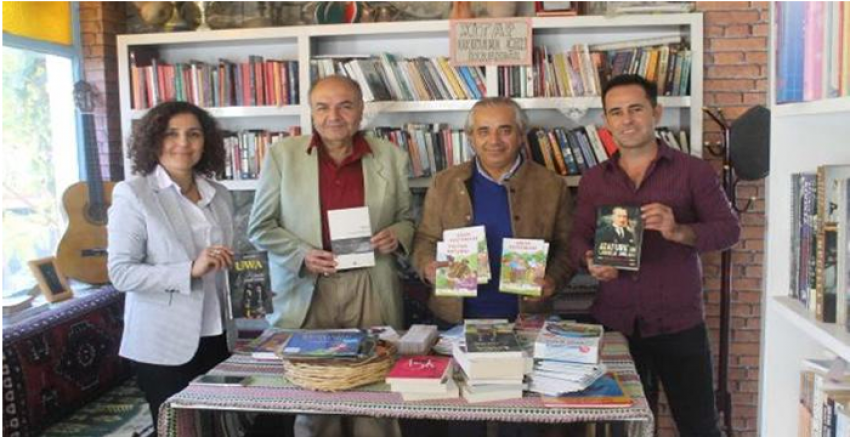 CNR Kitap Fuarı ünlü romancı Ahmet Ümit