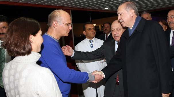Cumhurbaşkanı Erdoğan'dan Baykal'a geçmiş olsun ziyareti