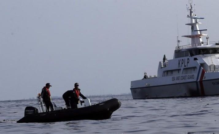 Endonezya'da balıkçı teknesi ile gemi çatıştı: 2 ölü, 15 kayıp